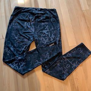 ✏️BOGO Women's Reebok Logo leggings - Size L
